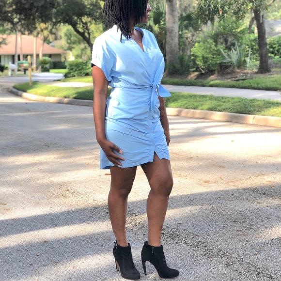 Dresses & Skirts - Sexy blue cinch Dress